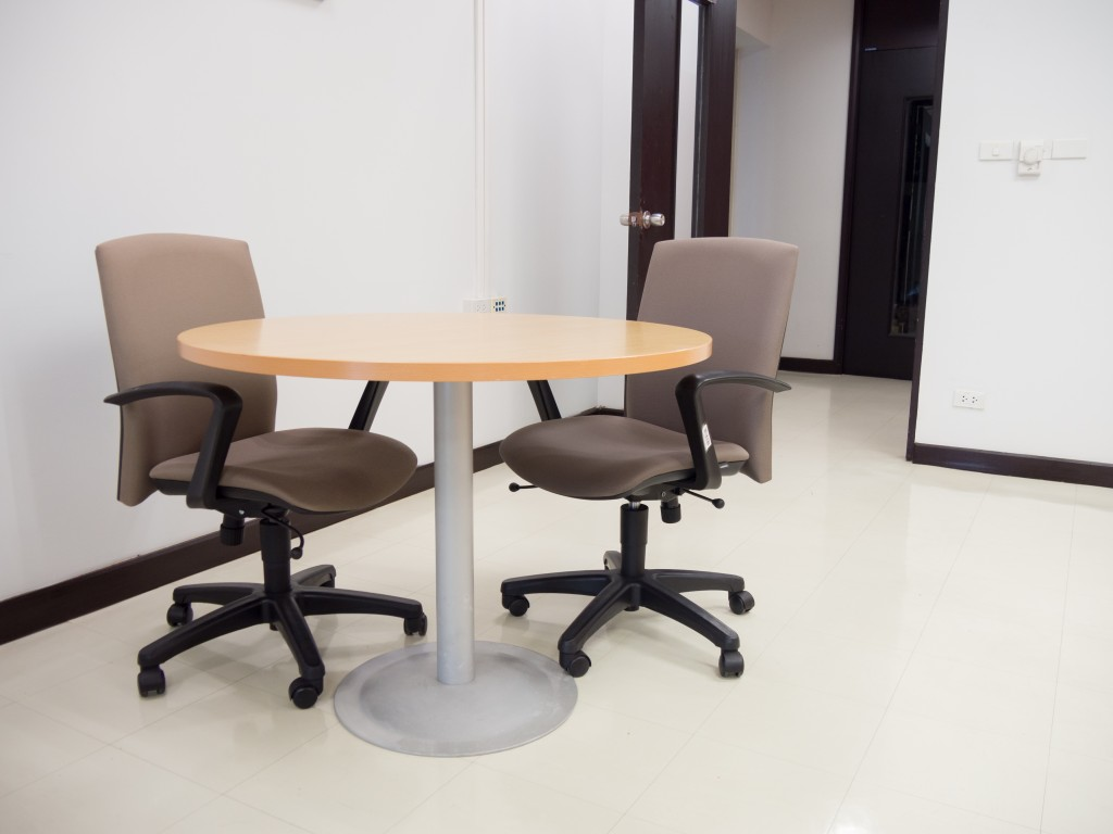 The Amazing Advantages of Wooden Furniture for Your New Office